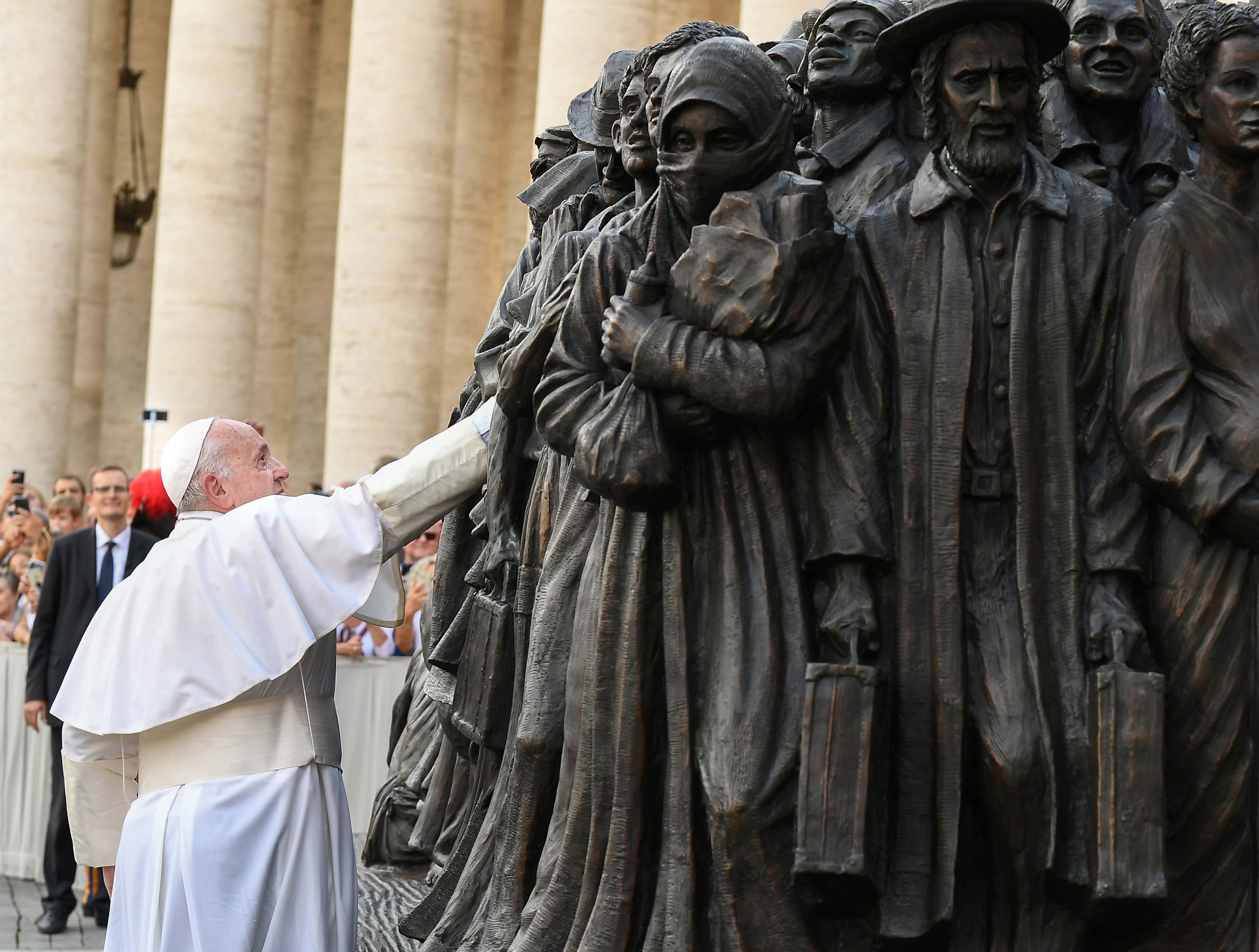 20190929T0840-133-CNS-POPE-MASS-MIGRANTS-REFUGEES