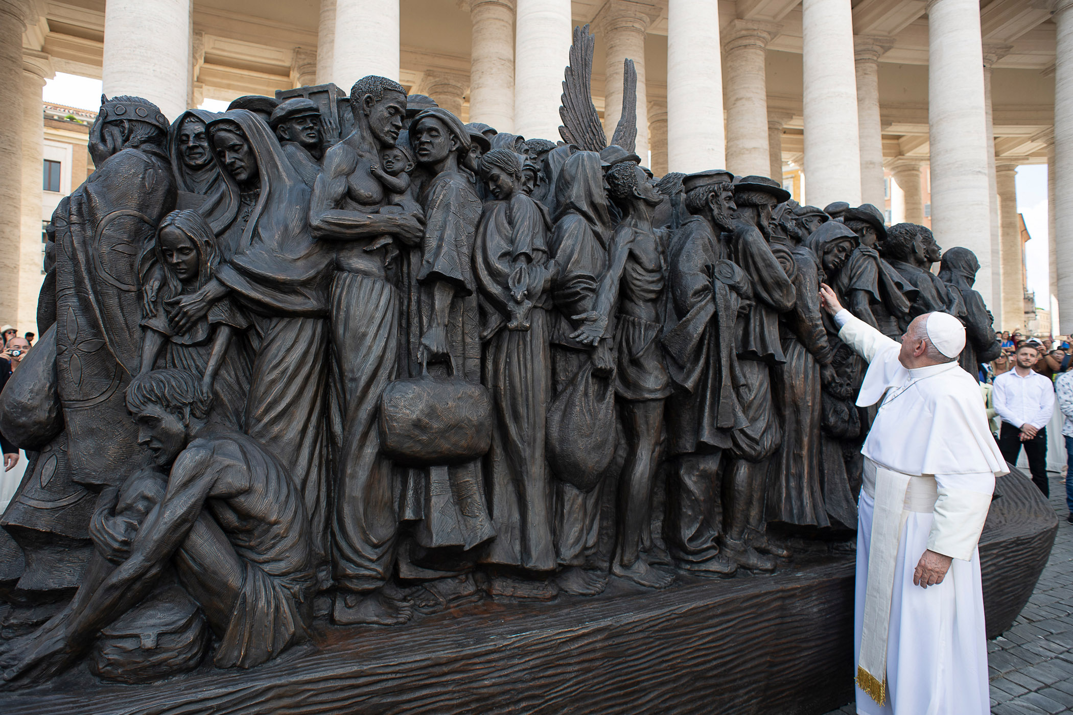 20190930T0558-538-CNS-POPE-MASS-MIGRANTS-REFUGEES