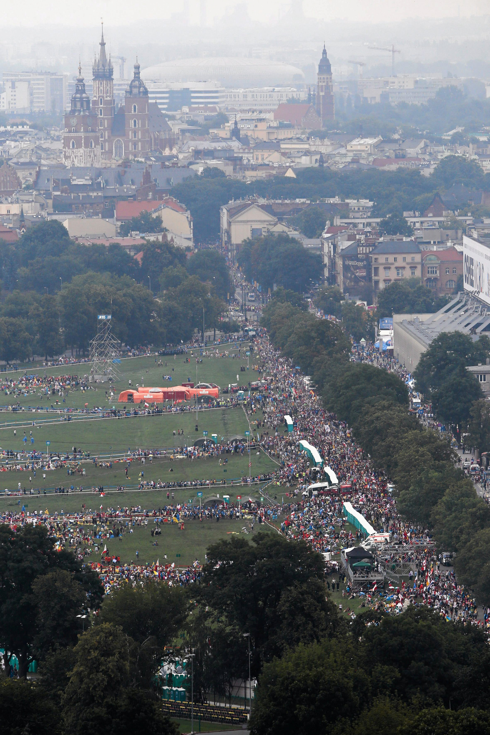 Pope's mass packed the streets