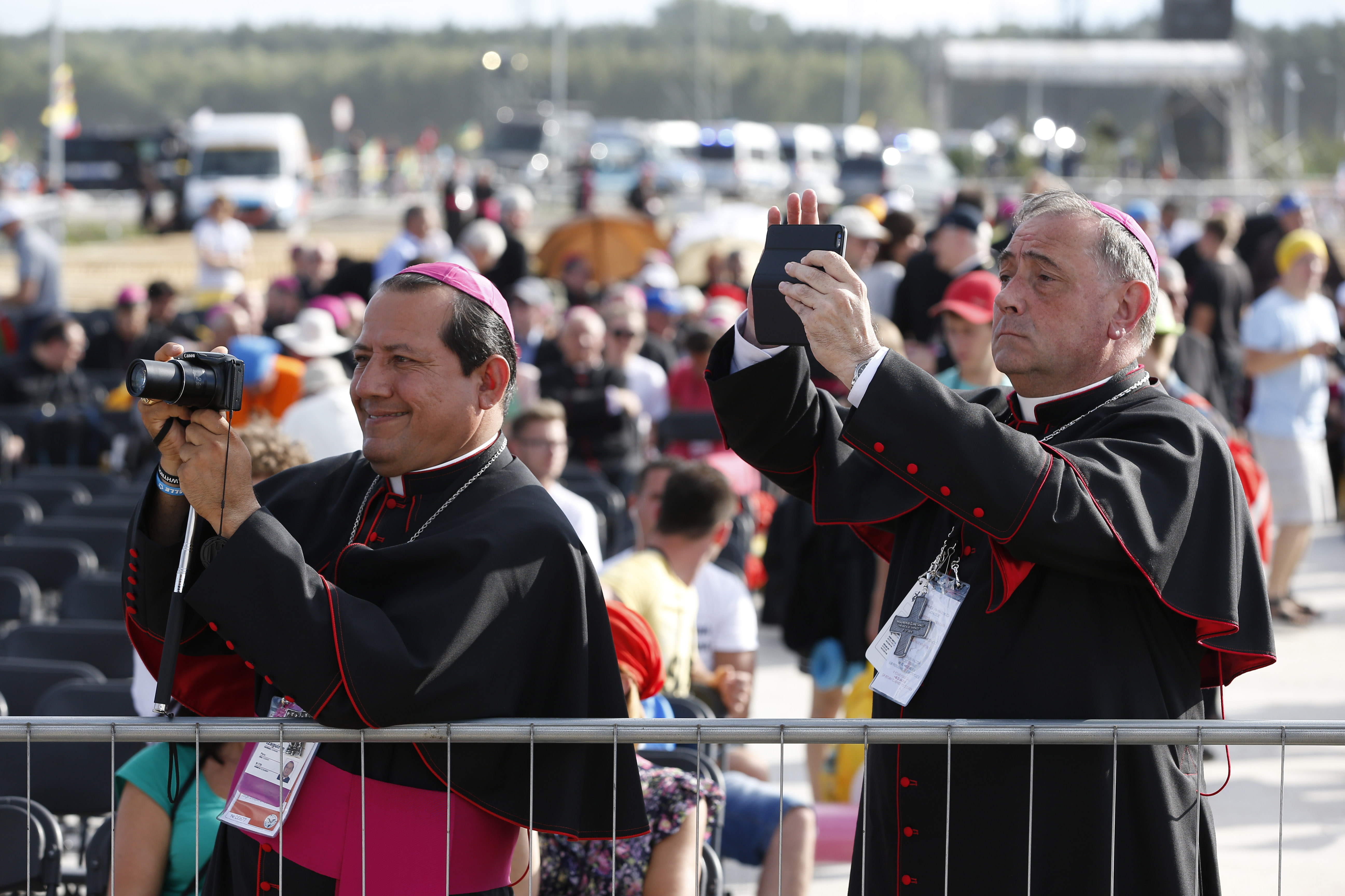 Bishops awaits the Pope's arrival
