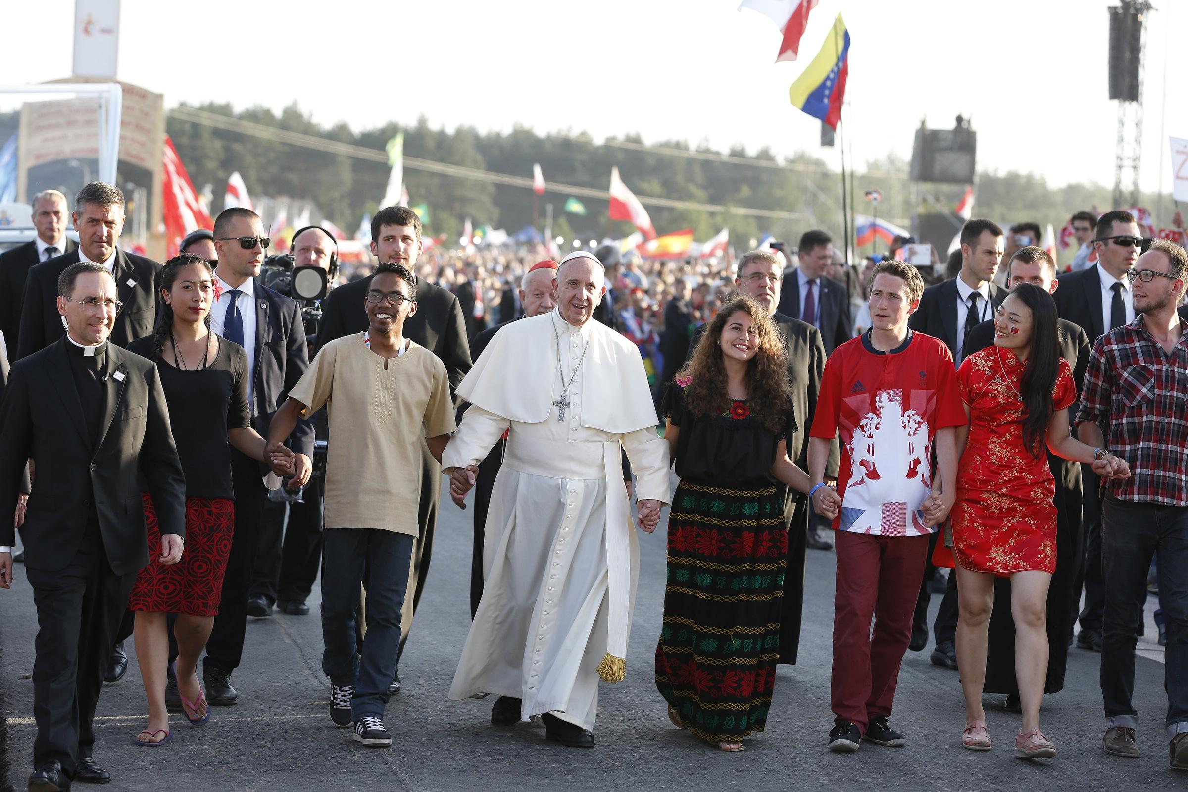 Pope walks with pilgrims