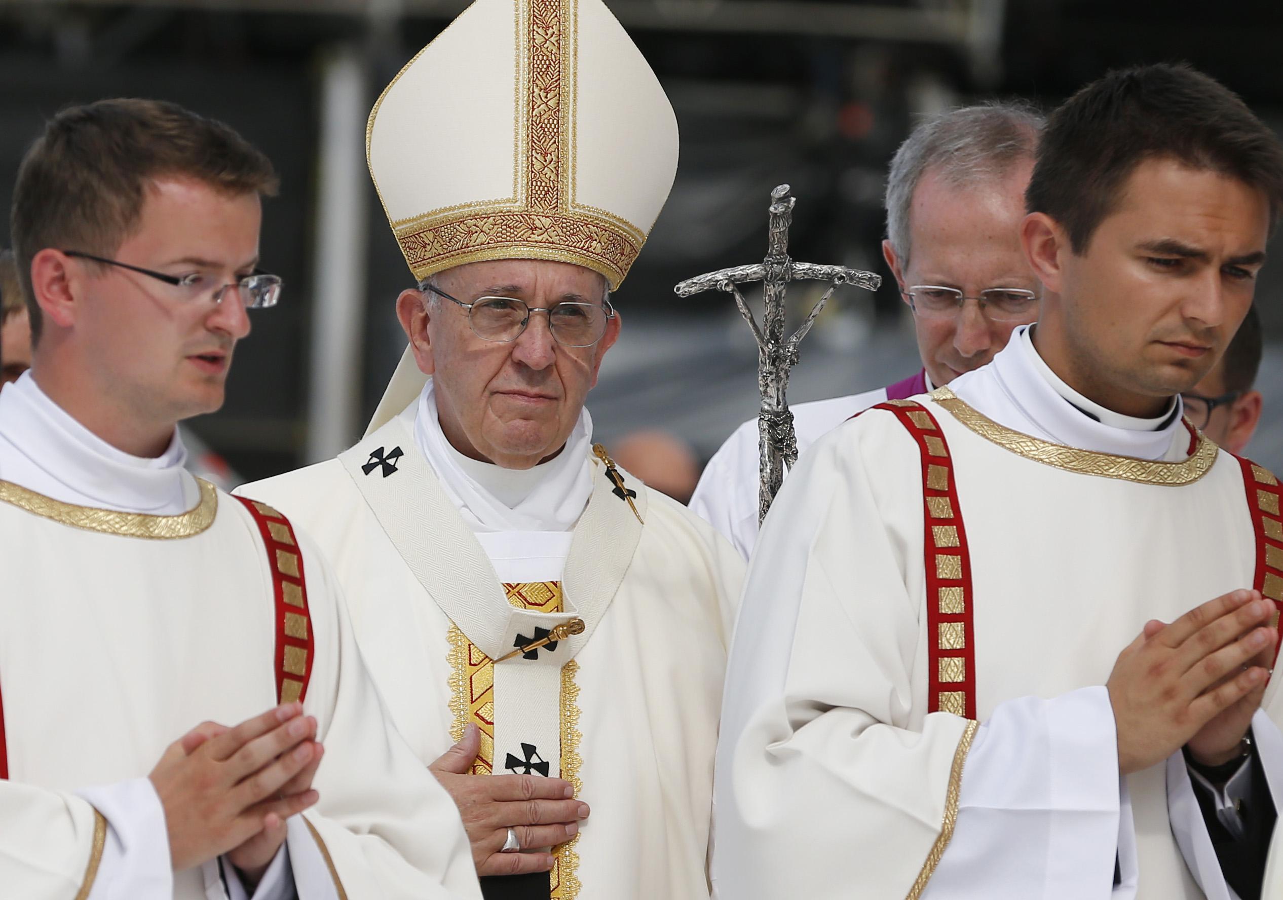 Pope at closing Mass