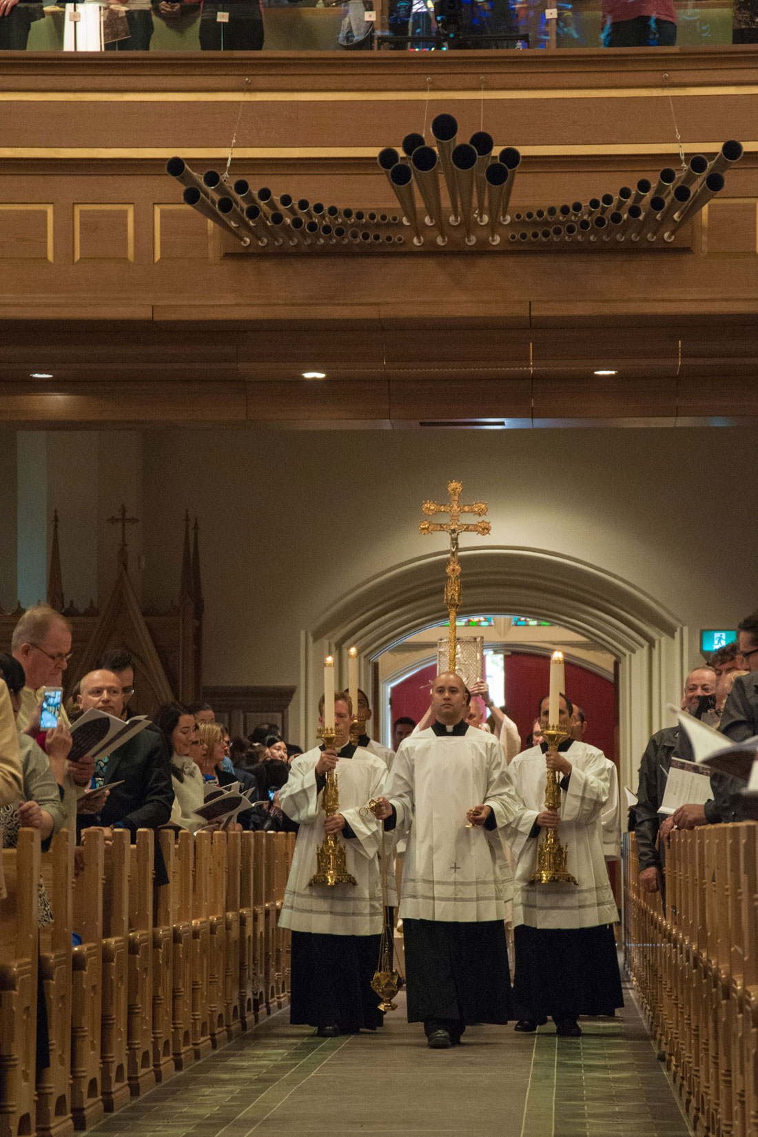 The workers' thanksgiving Mass at St. Michael's Cathedral Sept. 30. (Photo by Michael Swan)