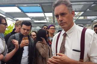 Jordan B Peterson debates with University of Toronto students at 2016 rally.