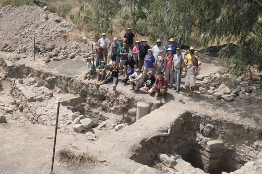 Israeli archaeologists believe they have uncovered the lost Roman city of Julias, home of the apostles Peter, Andrew and Philip.
