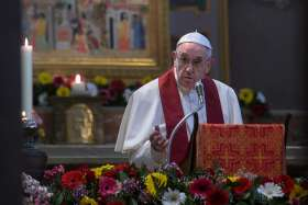 Pope pays tribute to modern martyrs, calls for witnesses of God's love