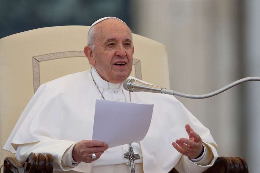 Pope Francis calls for universal basic income