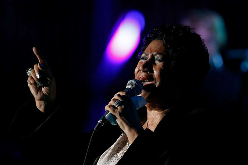 Aretha Franklin performs at the Festival of Families with Pope Francis during the World Meeting of Families in Philadelphia Sept. 26.