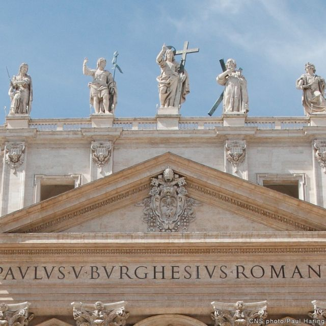 Priests must live holy lives to be effective ministers, Vatican says