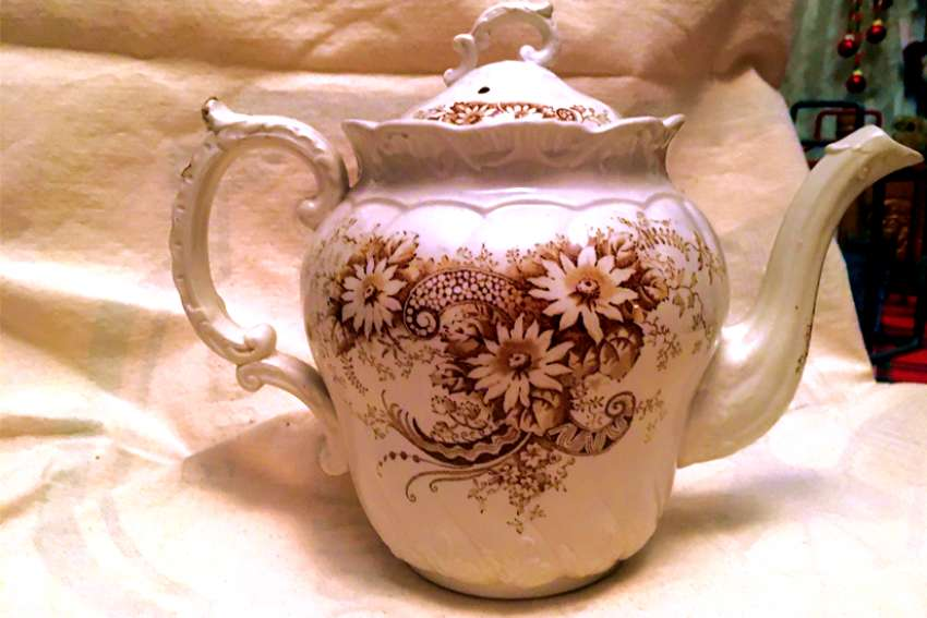 The Campbell teapot has been passed down for 200 years.