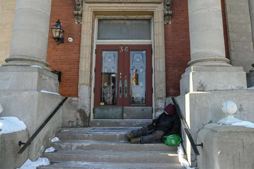 Despite promises to end chronic homelessness by 2025, Ontario's Financial Accountability Office says the province still has no plan in place.