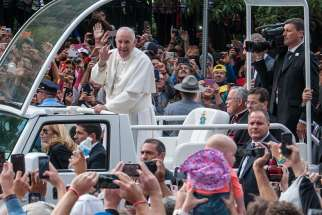Pope makes passionate plea for religious freedom