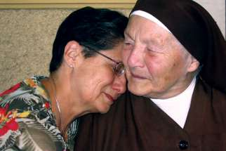 Eva Kuper and Sr. Klara Jaroszynska were re-united in 2005 after almost 60 years.