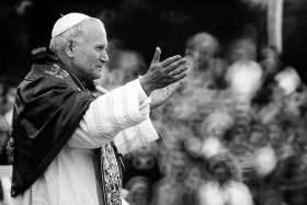 Film highlights John Paul II alliance with Reagan