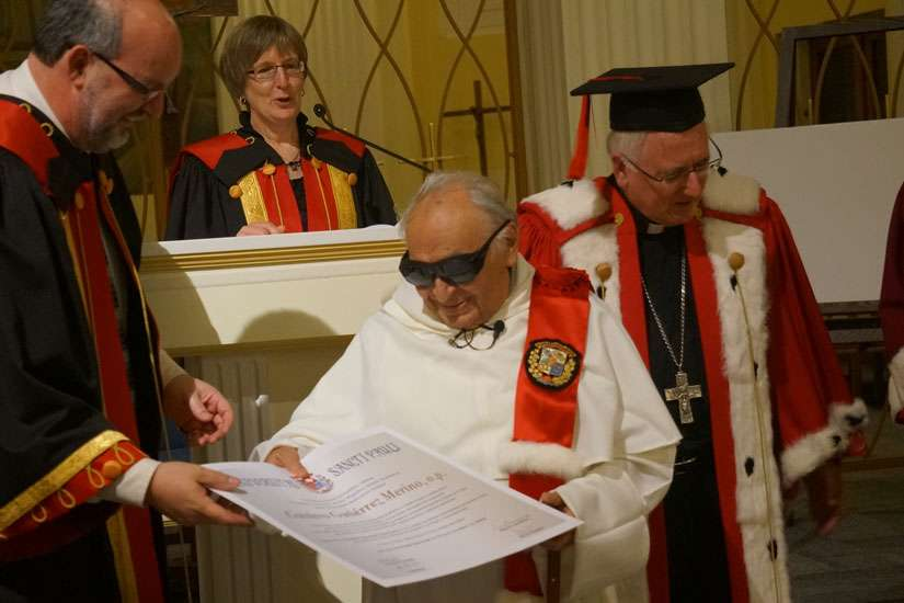 Peruvian theologian Father Gustavo Gutierrez received an honorary doctorate Nov. 7 from Saint Paul University. Fr. Gutierrez recently had eye surgery, so wore the dark glasses to protect his eyes from bright light