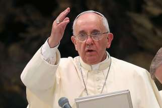 Pope Francis appeals to Iraqi president to end crisis