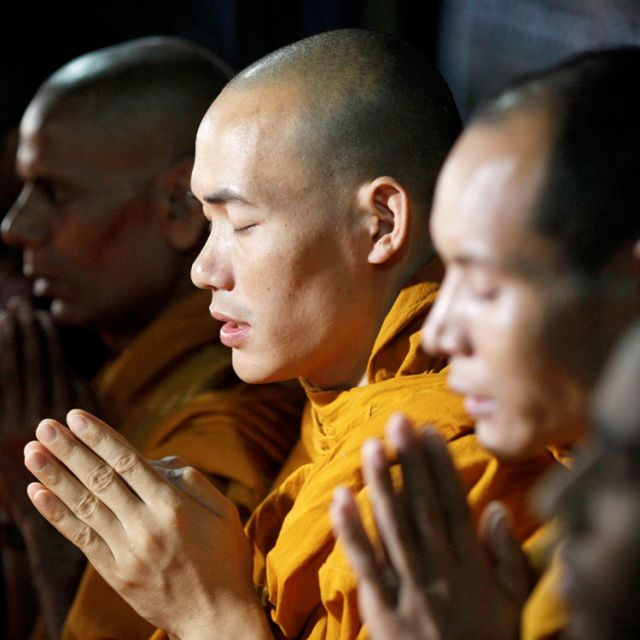 Christian, Buddhist clergy call for commitment to overcome evil, greed