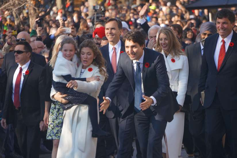 Prime Minister Justin Trudeau, his wife Sophie Gregoire Trudeau and his new cabinet took a bus to Rideau Hall and walked up to the Governor General's residence for their swearing in. Hundreds lined the road to greet the new government.