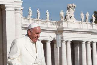 Accepting invite from Rome's Jewish community, Pope to visit synagogue