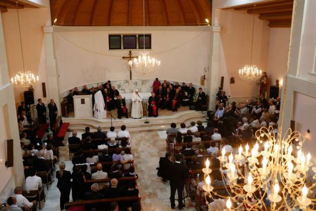 Pope Francis: Albania proves to world that diverse religions can live in peace