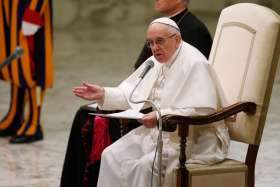 Pope tells media: reject prejudice, leave space for hope