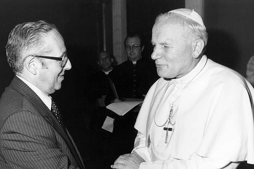 Dr. Victor Goldbloom meets with Saint John Paul II in this Register file photo.