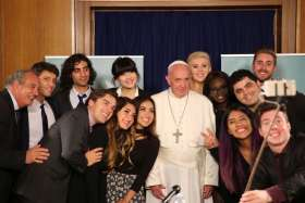 Pope Francis tells Internet celebrities to take 'path of optimism and hope'