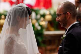 Pope Francis to open Vatican conference on traditional marriage