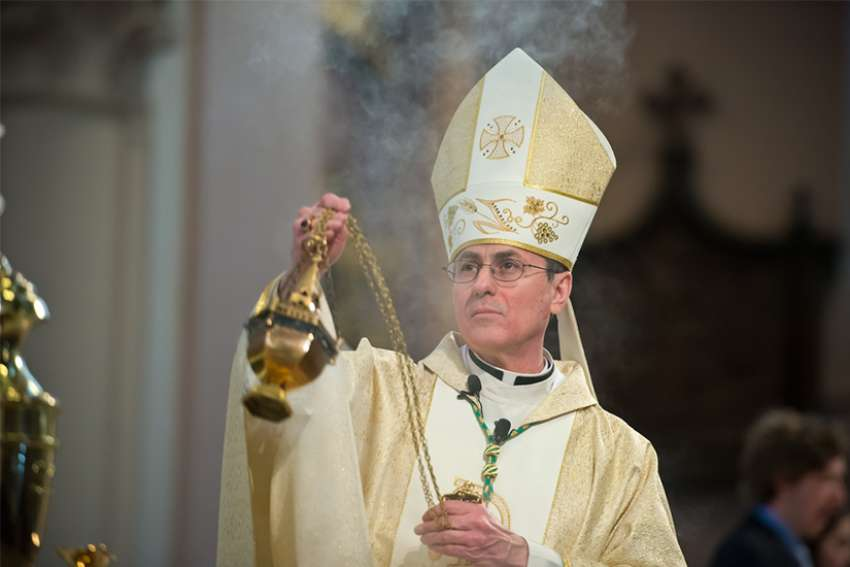 Bishop Ronald Fabbro celebrates Mass.