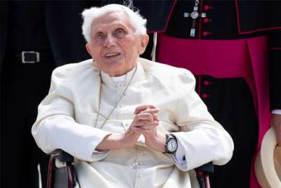 Benedict XVI travels to Germany to visit his brother
