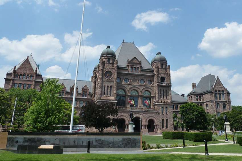 Progressive Conservative health critic Jeff Yurek plans to introduce a conscience-protection amendment to legislation currently being debated in the Ontario legislature.