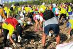 WYD volunteers help clean up Costa del Este beach in Panama.