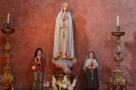 Visionaries' canonization would 'complete' Fatima centenary, says bishop